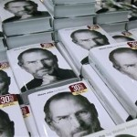 copies-of-the-new-biography-of-apple-ceo-steve-jobs-by-walter-isaacson